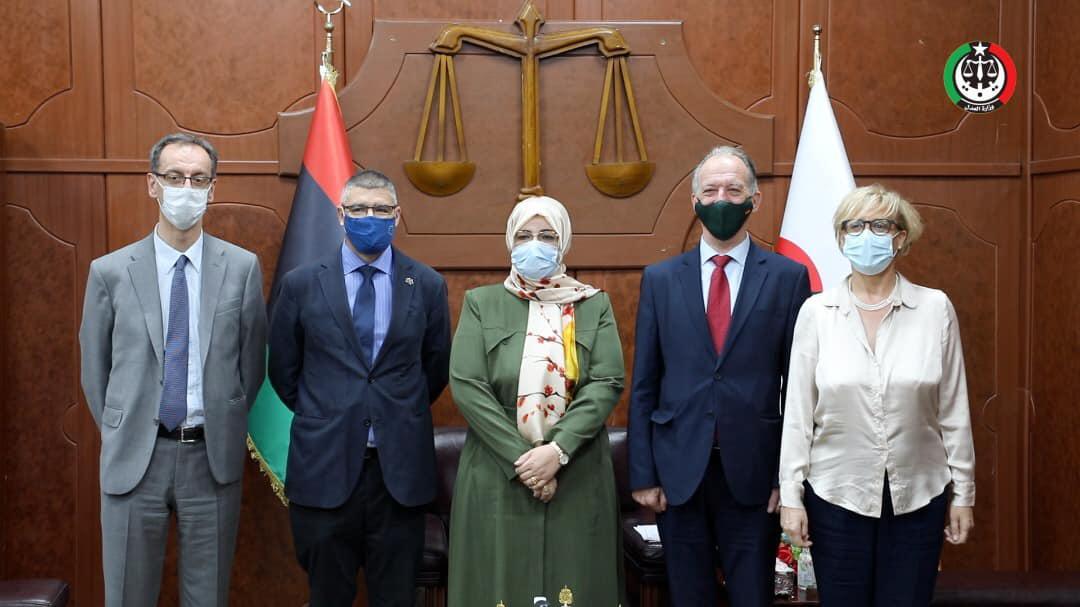 وزارة العدل تبحث مع وفد أوروبي إنجاح الانتخابات